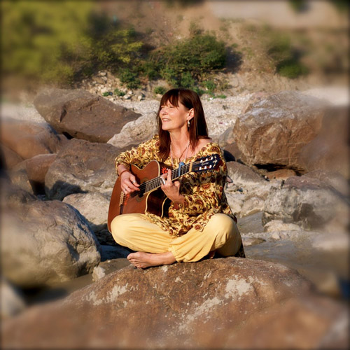 Catherine Fostier - Chant et Guitare